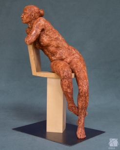 FEMME ASSISE CHAISE ANTONIN MARTINEAU 4